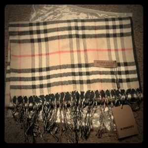 Perfect fall scarf NWT Plaid Burberry Scarf!